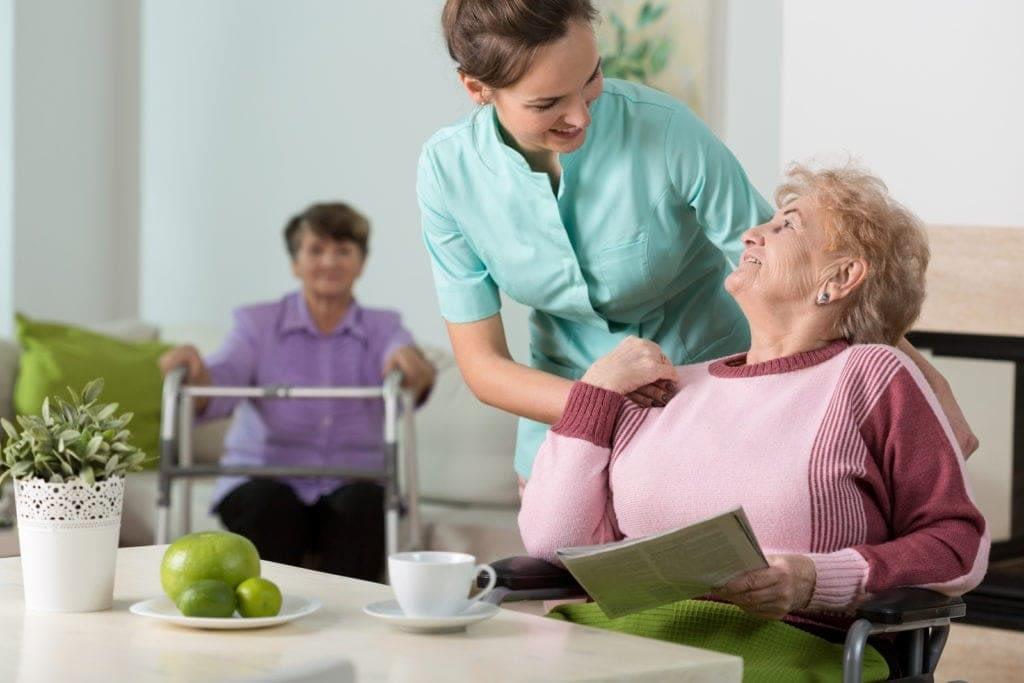 Ancianos en residencia